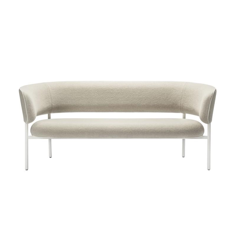canap font bold mobel copenhagen. Black Bedroom Furniture Sets. Home Design Ideas