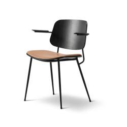 Fauteuil Soborg chêne teinté noir, assise cuir Cognac 95