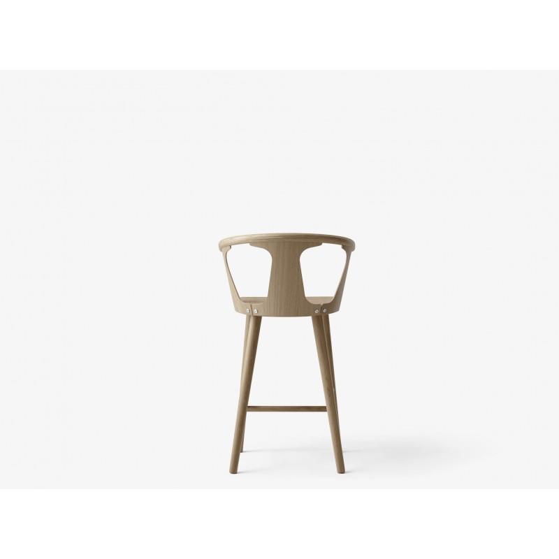 chaise de comptoir in between andtradition. Black Bedroom Furniture Sets. Home Design Ideas