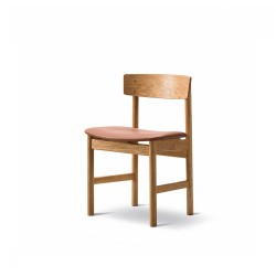 Chaise 3236 chêne huilé, cuir semi-aniline cognac