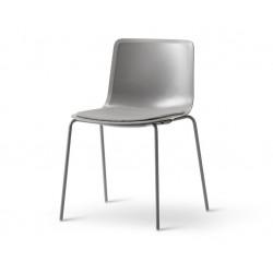 Chaise Pato pieds métal, assise tapissée FREDERICIA