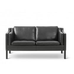 Canapé 2 places 2212 chêne teinté noir, cuir noir 98